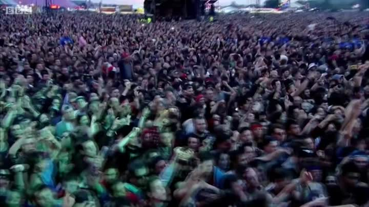 Видео: Bring Me The Horizon - Shadow Moses Live at Reading Festival 2015 HD