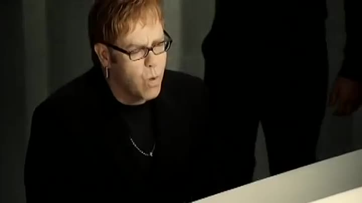 Видео: Elton John & Blue - Sorry seems to be the hardest word