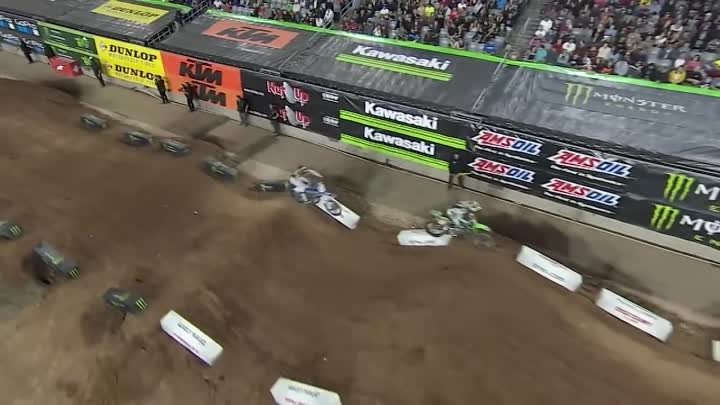 Видео: The Best Battles Of Supercross 2018