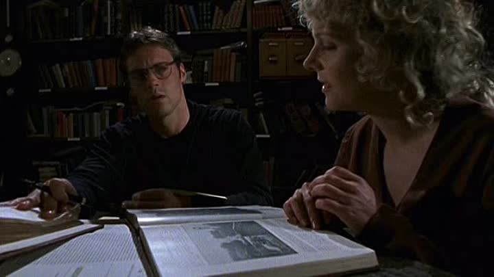 Видео: Stargate SG-1 - [3x11] - Past and Present