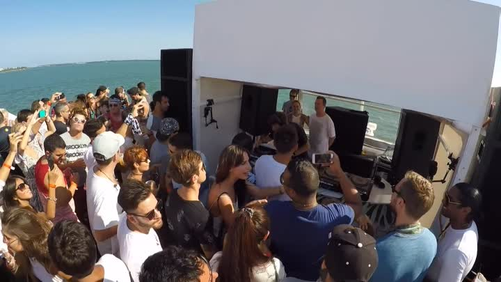 Видео: Hernan Cattaneo B2B Nick Warren @ Never get out of the boat, Biscayne Lady - Miami. 15 March '16
