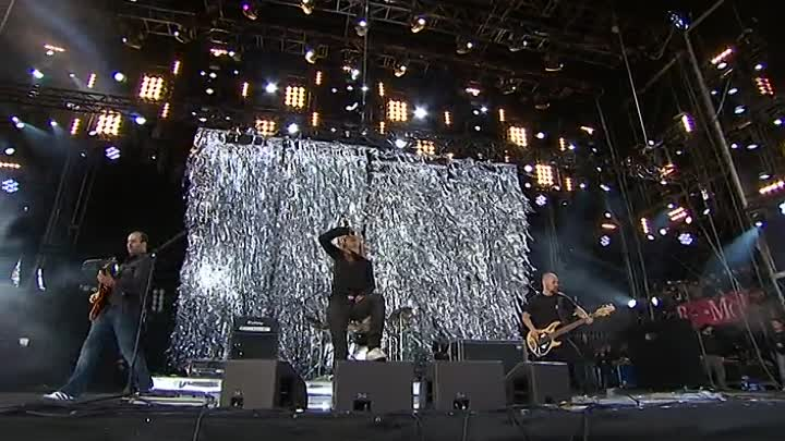 Видео: Guano Apes Live at Rock am Ring 2009
