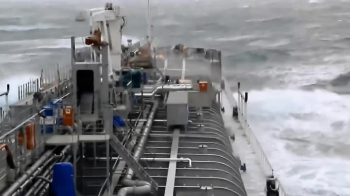 Видео: Top 10 ships in storm Part 2 Terrifying Monster Waves