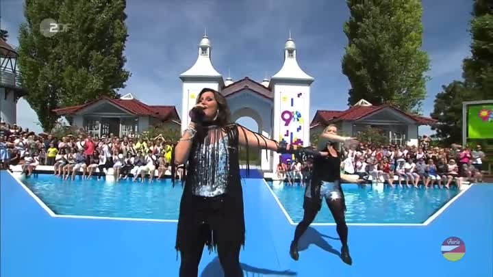 Jenny Berggren from Ace of Base - All That She Wants (ZDF-Fernsehgarten 12.08.2018)