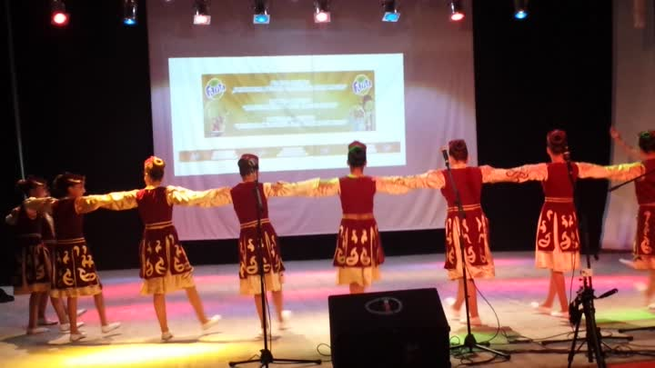 "Festival - Contest ""Orange Kobuleti"" 2015 : Amasia Dance Group - Poppurri"