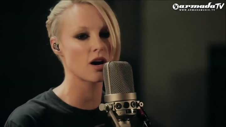 Emma Hewitt - Carry Me Away (Live Acoustic Version)