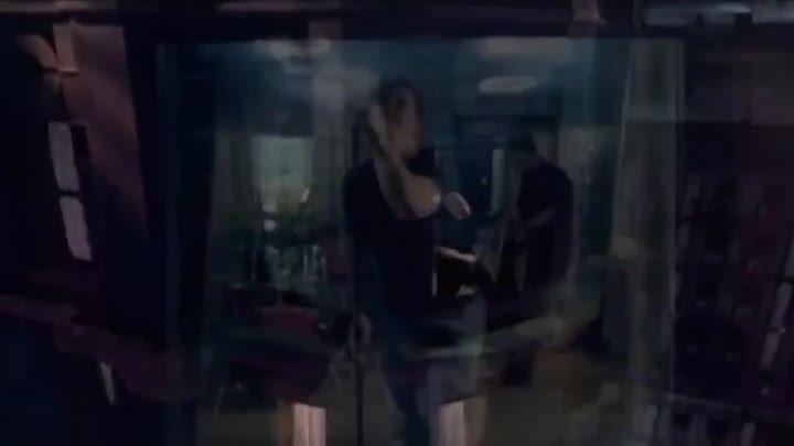 Видео: Evanescence - Bring Me To Life (Official Music Video).mp4