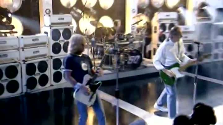 Видео: Status Quo - All Stand Up