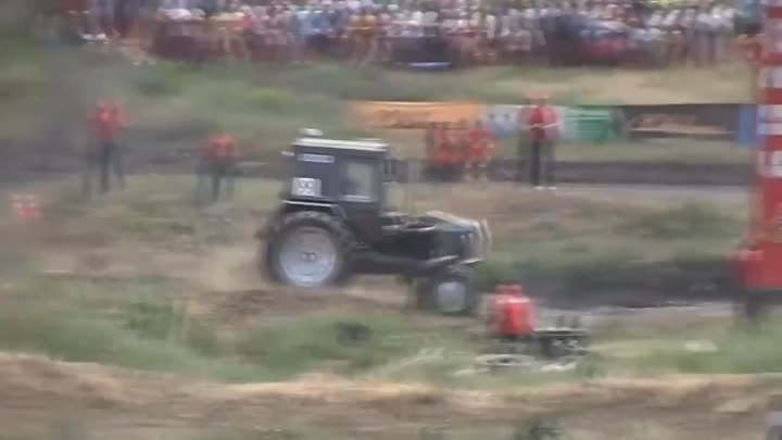 Russian Big Offroad Monster Tractor Drivers Race - Bison track show 2013 (3)
