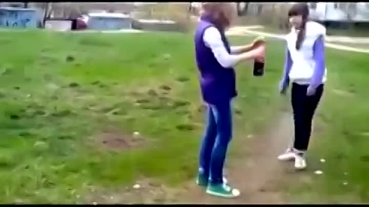 Girls Mixed Coke and Mentos.mp4