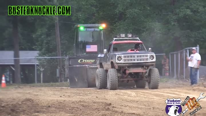 Ну и кто дальше? BOSS HOGG SLED PULLING TRUCKS 2015