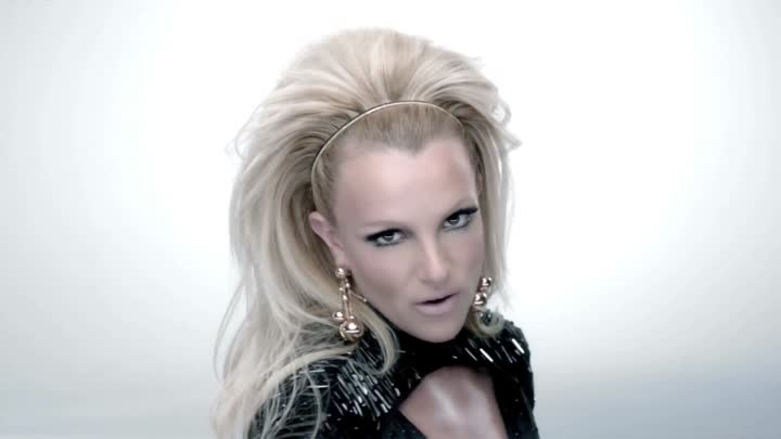 Britney Spears ft. Will.I.Am - Scream & Shout
