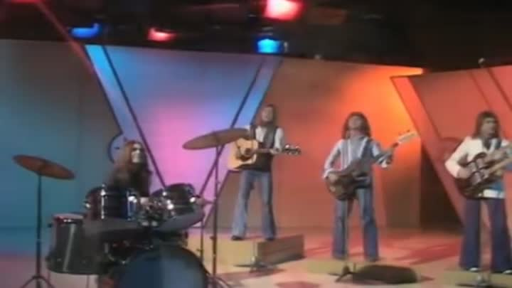 Видео: Smokie - I'll Meet You At Midnight (BBC Basil Brush Show 09.10.1976) (VOD) (1)