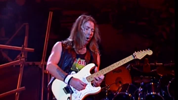 Видео: IRON MAIDEN — Brave New World — (Brave New World — 2000) — (LIVE — Rock In Rio — 2002) - BRAVEST FOX