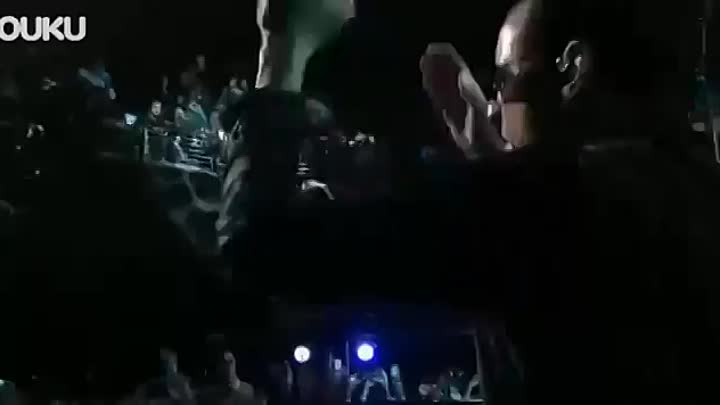 Видео: Linkin Park Bleed It Out Live at Concert For The Philippines 2014