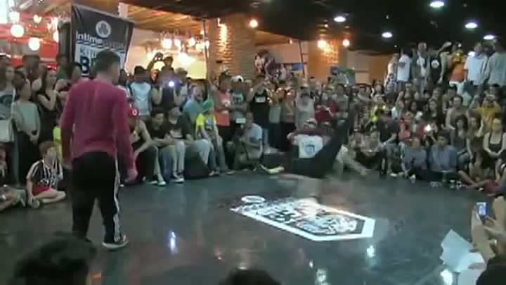 Видео: Bboy Power Moves Combos★2013 2014 2015 ★TOP HITS★NEXT LEVEL SKILLS★World best B-boys★