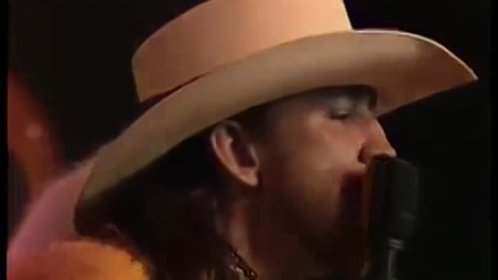 Видео: Stevie Ray Vaughan Live at Montreux 1985 FULL CONCERT