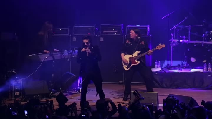 Видео: TNT - As Far As The Eye Can See (Live ©2019)