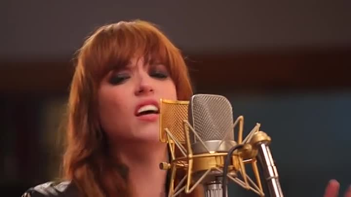 Видео: Halestorm - Empire State Of Mind (Jay-Z cover) captured in The Live Room