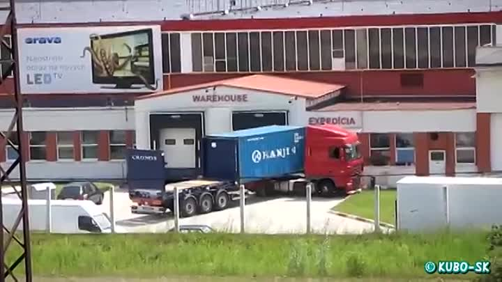 DAF XF - unloading container and good driver
