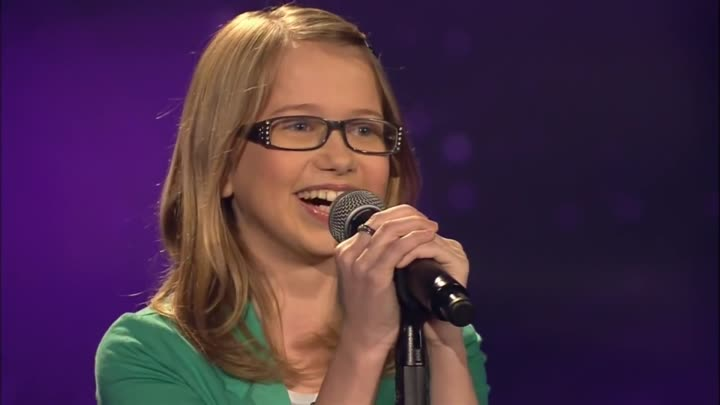 Видео: Whitney Houston - I will Always Love You (Laura) | The Voice Kids 2013 | Blind Audition | SAT.1