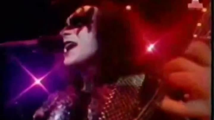 """Видео: Kiss - I was made for lovin' you -(musik.klab ROK ДЖУНГЛИ!!! -""""(official)""""."""