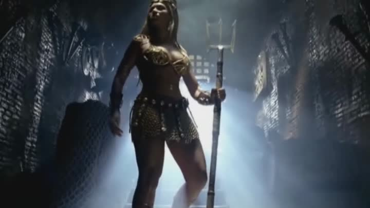 [HD] Britney Spears, Beyonce & Pink - We Will Rock You (Pepsi)