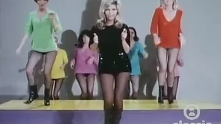 Видео: Хит 1966 года!Nancy Sinatra - These Boots Are Made For Walking.
