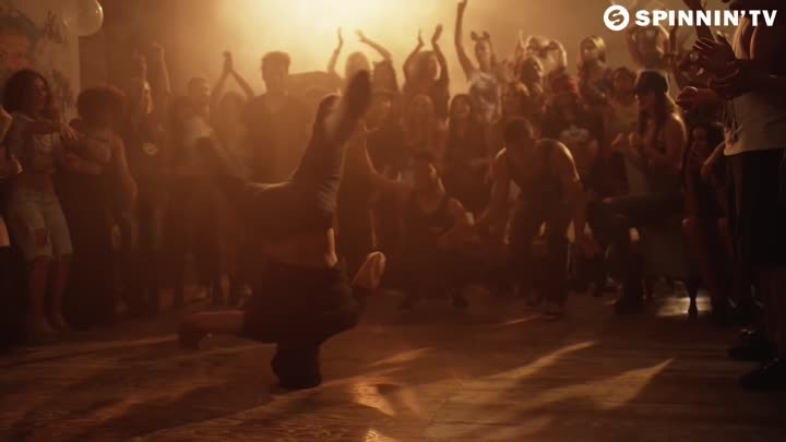 Afrojack & Martin Garrix - Turn Up The Speakers (Official Music Video)